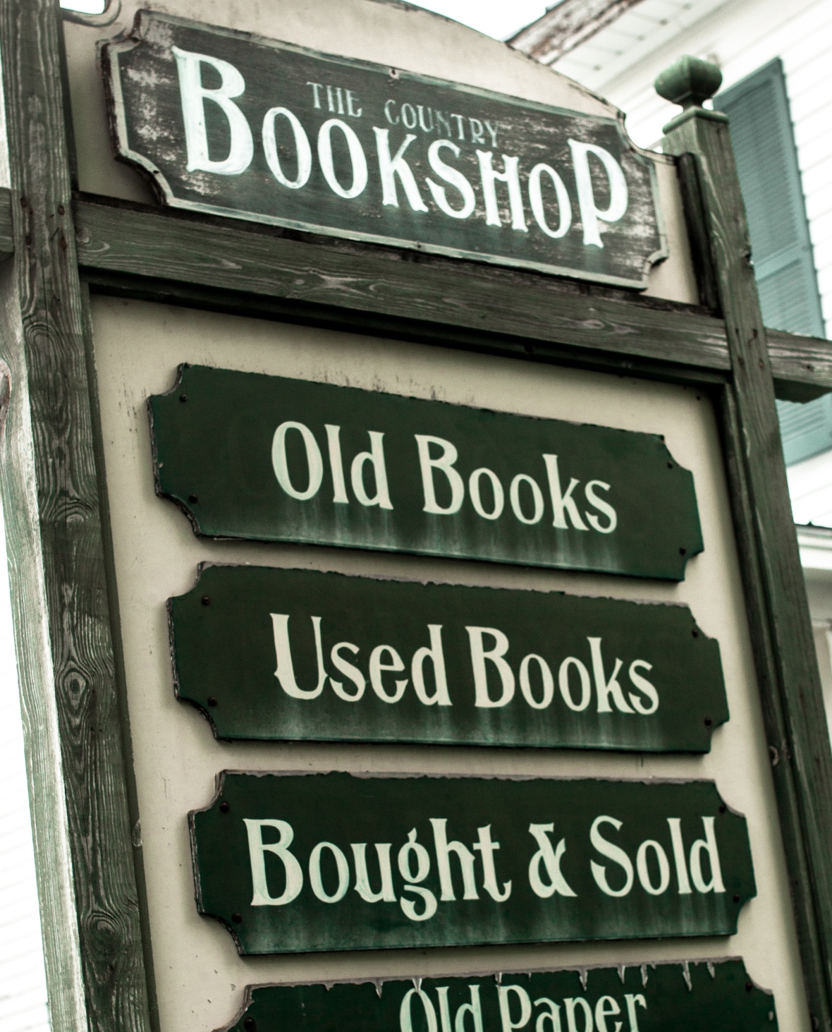 the country bookshop sign.jpg