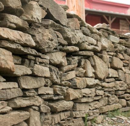 cu stones in wall