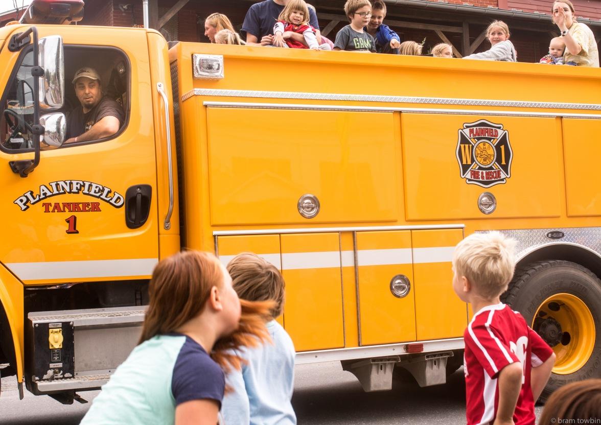 kids on fire truck-2