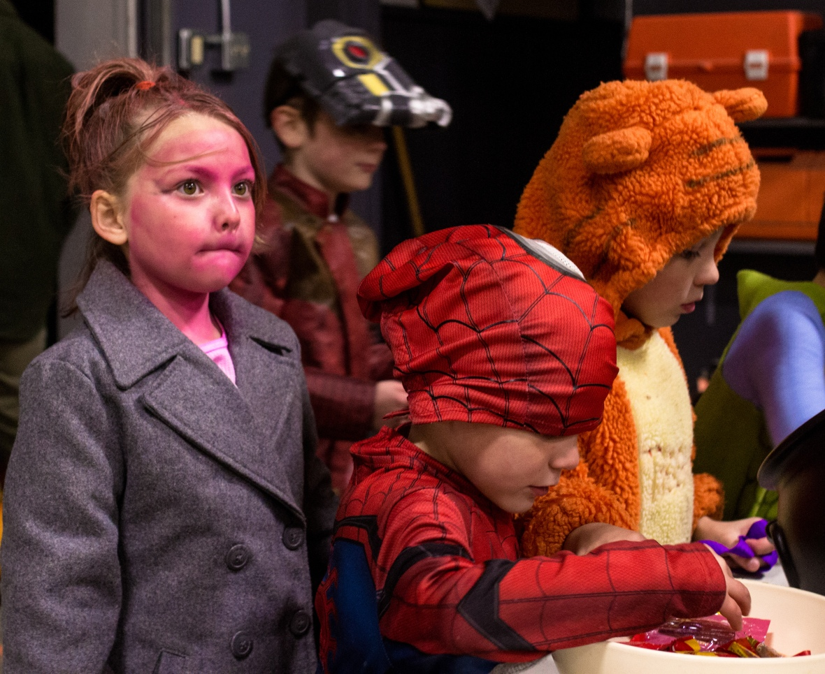 pink face girl, spiderman, tigger
